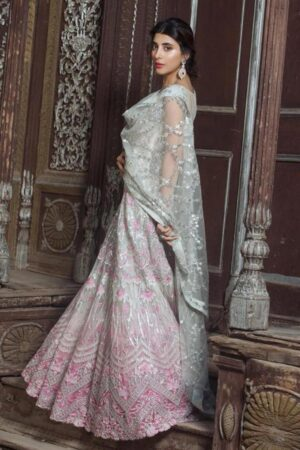 urwa hocane maxi dress